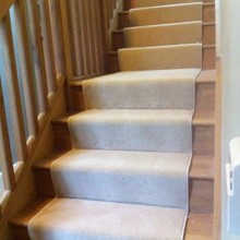 Whipped edging on a stair carpet